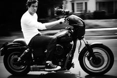 Zachary Levi. Photography by Jeremy Cowart. #actionshot #cool