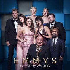 Game of Thrones cast members at Emmys 2015 won Best Drama Series, and Peter Dinklage won his Emmy for Outstanding Supporting Actor for a Drama Series. Game Of Thrones Cast, Game Of Thrones Funny, Winter Is Here, Winter Is Coming, Hbo Series, Drama Series, Vikings Game, Game Of Throne Actors, Game Of Trones
