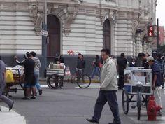 Comercio ambulatorio en el Centro de Lima