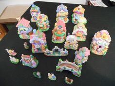 Hoppy Hollow Collection 20 pieces Ceramic Easter Village