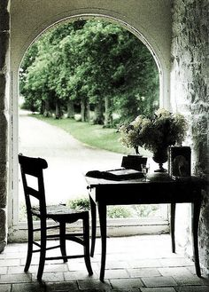 If I had a patio, I would have a set up like this for warmer weather days