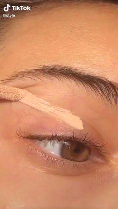 Edgy Makeup, Makeup Eye Looks, Eye Makeup Art, Natural Eye Makeup, Skin Makeup, Natural Everyday Makeup, Natural School Makeup, Makeup Kit, Makeup Lipstick