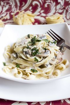 Pasta with a creamy sauce with mushrooms and bacon - przepisy - Makaron Snack Recipes, Healthy Recipes, Polish Recipes, Polish Food, Creamy Sauce, I Foods, Tortellini, Stuffed Mushrooms, Creamy Mushrooms