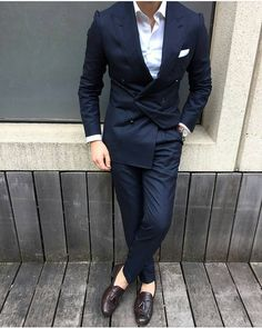 abovetheanklesuk: Dont be too scared to try a double breasted blazer just because others at work havent. Be the first to break that barrier.