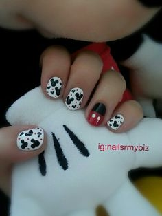 Disney nails. Mickey Mouse.... For more nail art inspiration check out ig: nailsrmybiz