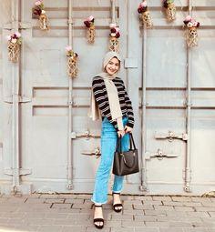 Casual Hijab Outfit, Ootd Hijab, Girl Hijab, Daily Fashion, Teen Fashion, Fashion Outfits, Womens Fashion, Hijab Fashion Inspiration, Beautiful Hijab
