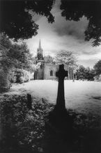 MEMENTO MORI - CHURCHES & CHURCHYARDS OF ENGLAND by Simon Marsden