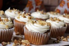 Tasty Autumn Cupcakes - note this uses pumpkin pie mix Fall Dessert Recipes, Cake Mix Recipes, Fall Desserts, Cupcake Recipes, Just Desserts, Fall Recipes, Cupcake Cakes, Pumpkin Pie Mix, Yummy Cupcakes