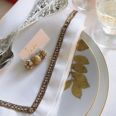 Des strass sur la table de fête / Pastes on the festive table, wedding, baptism, presents