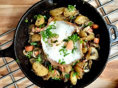 An Austrian meal of potatoes, vegetables, and fried egg. Apple Cider Donuts, Hot Apple Cider, New Recipes, Dinner Recipes, Homemade Ramen, Austrian Recipes, Summer Barbecue, Shawarma, Grilled Meat