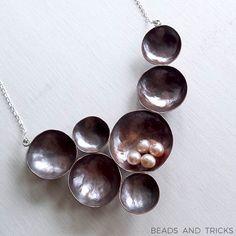 Collana in rame forgiato a mano, argento e perle