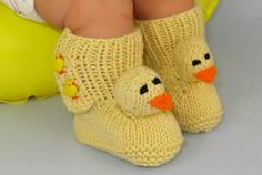 These Knitted Duck Booties are button cute and perfect for keeping your little ones tootsies warm. It's a fabulous FREE PATTERN  you'll love making!