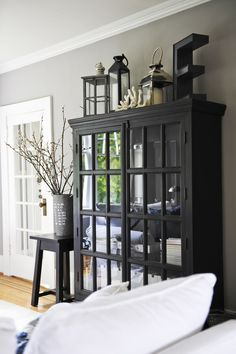 love this black cabinet.