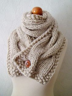 I love this single button scarf! Another crochet project to add to my list..