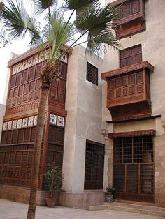 """Bayt Al-Suhaymi (""""House of Suhaymi"""") is an old Ottoman era house museum in Cairo, Egypt. Vernacular Architecture, Islamic Architecture, Amazing Architecture, Art And Architecture, Exterior Design, Interior And Exterior, Paises Da Africa, Places In Egypt, Modern Egypt"""
