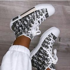 Dior Sneakers, Dior Shoes, Cute Sneakers, Sneakers Fashion, Fashion Shoes, Jordan Shoes Girls, Girls Shoes, Nike Air Shoes, Aesthetic Shoes