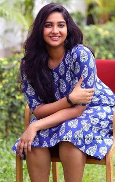 Cute Succulent Beautiful New Ideas Beautiful Girl Photo, Beautiful Girl Indian, Most Beautiful Indian Actress, Beautiful Girl Quotes, Indian Actress Hot Pics, Indian Actresses, Actress Photos, Indian Girl Bikini, Indian Girls Images