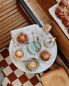 Coffee Cozy, Coffee Break, My Coffee, Morning Coffee, Coffee Shop, Art Cafe, Breakfast Tea, Bakery Cafe, Coffee Photography