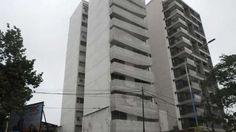 #El nene que cayó desde un noveno piso y se salvó sigue grave pero estable - Clarín.com: Clarín.com El nene que cayó desde un noveno piso y…