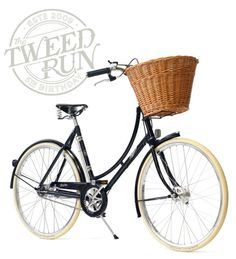 Always wanted a bike like this! Now all that is missing is a cute dog to put into the basket as perfect cycling companion :) Special Edition Pashley Tweed Run Bicycle Mongoose Bike, Tweed Ride, Saddle Cover, Bicycle Tools, Urban Bike, Cycle Chic, Bike Chain, Bicycle Design, Vintage Bicycles