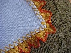 A Grá  Bordadeira do  blog Só Artes. E Ponto! http://grabordadeira.blogspot.com/  fez um pano de prato com o biquinho  de crochet , cujo PAP...