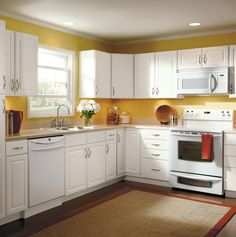 White Cabinets Always Make A Kitchen Feel Bright And Refreshing