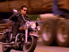 Twin Peaks HARLEY-DAVIDSON 1978 FLH 80 ELECTRA GLIDE #James Marshall #MotorBike #TwinPeaks #DavidLynch #Surreal #ProductPlacement