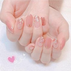 Fantastic Free Toe Nail Art minimalist Suggestions Typically any time we feel associated with toes, we feel these are soiled and of course not really t Pink Nail Art, Cute Nail Art, Glitter Nail Art, Nail Art Diy, Korean Nail Art, Korean Nails, Asian Nail Art, Minimalist Nails, Asian Nails