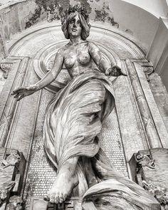 Urban explorer: Monumentale di Staglieno Cemetery Maria Raffaela Scalfati - Photography