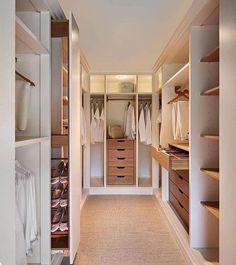 Walk In Wardrobe Design, Wardrobe Design Bedroom, Small Walk In Wardrobe, Small Walkin Closet, White Closet, Small Dressing Rooms, Dressing Room Design, Dressing Area, Dressing Room Decor