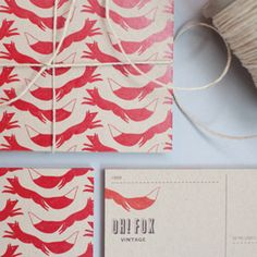 Oh Fox! branding by Go Forth Creative. Love this fun and quirky logo with the fox running off of the card. Great repeat pattern as well. Design Art, Print Design, Logo Design, Design Interior, Cover Design, Design Graphique, Art Graphique, Design Editorial, Grafik Design