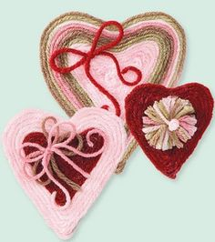 #yarn #hearts (pins? magnets? both?)