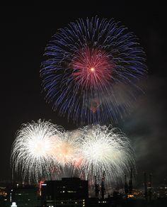 Fireworks at Kobe Port, Hyogo, Japan みなと神戸海上花火大会