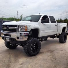one is for all those ppl who dis Chevys just have a nice long stare at this Chevy Silverado 2500 HD lifted chevy silverado to haul our dirtbikes in. Lifted Chevy Trucks, Gm Trucks, Jeep Truck, Chevrolet Trucks, Cool Trucks, Pickup Trucks, Dually Trucks, 1957 Chevrolet, Chevrolet Impala