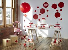 LETTUCE & CO - STYLE. EAT. PLAY 'red spotty love', children's theme party, dessert table styling