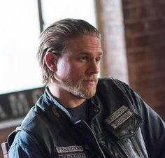 Charlie Hunnam Sons of Anarchy season 6