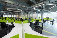 Open plan office at Globant Offices - Bogotá