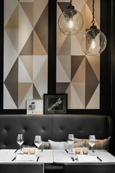 Stylish Exclusive Italian Restaurant in Classic Interior Design: Amazing Italian Restaurant Cafe Modern Pendant Lamps Design Ideas