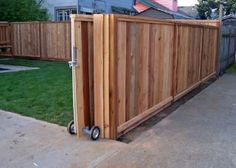 Cedar Fencing Plus Gates - Modern Design Sliding Fence Gate, Wooden Fence Gate, Fence Gate Design, Fence Doors, Cedar Fence, Diy Privacy Fence, Privacy Fence Designs, Diy Fence, Driveway Fence