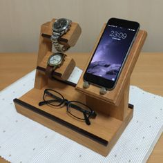 【W】スマホスタンド・2段腕時計・メガネ・小物置き   ハンドメイド、手作り作品の通販 minne(ミンネ)