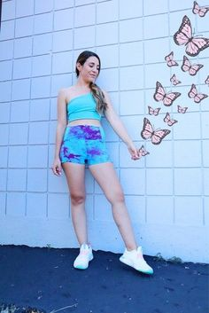 CUTEST TIE DYE WORKOUT SET #ootd #workoutinspo #workoutclothes #affiliatelink Outfit Posts, Spring Fashion, Tie Dye, Texas, Style Inspiration, My Favorite Things, Lifestyle, Cute, Outfits