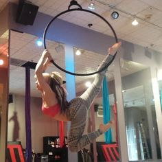 I've had a couple people ask me how to get into an Oliver Twist on the aerial hoop. This is my favorite way of doing it. But my shoulders are super tight so I have a ways to go to really perfect it.