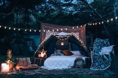 Green Glamping Inspo That Will Make You Feel Like A Wild Forest Elf - DIY Garten - Abenteuerreisen Glamping, Tent Camping, Family Camping, Camping Snacks, Scout Camping, Camping Packing, Camping Outfits, Diy Camping, Camping Outdoors