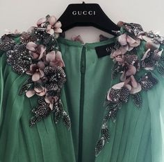 Gucci. Smaragd green