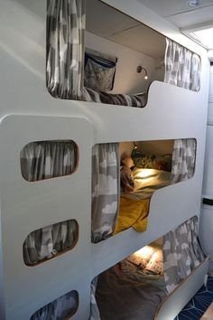 Look at this amazing family space saver. You can take the entire family out in Everest with no hassle! Rent this van today from us etagenbett Triple Bunk Bed Van Conversion Interior, Camper Van Conversion Diy, Van Interior, Van Conversion With Bunk Beds, Van Conversion For Family, Interior Ideas, Interior Design, Bus Living, Motor Casa