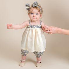 Girls Dresses Sewing, Dresses Kids Girl, Kids Outfits, Newborn Girl Dresses, Cute Baby Dresses, Baby Summer Dresses, Cute Baby Girl Clothes, Vintage Baby Dresses, Baby Girl Dress Patterns