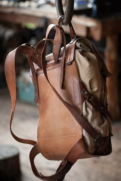 leather and canvas backpack from Notless Orequal Leather Gifts, Leather Craft, Leather Men, Leather Wallet, Tote Backpack, Canvas Backpack, Leather Workshop, Back Bag, Leather Projects