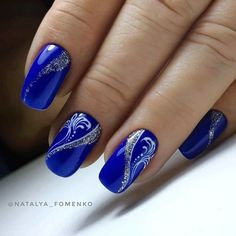 Nails Brush only nail designs like this one are priceless 😍😍 Credits: Blue Nail Designs, Creative Nail Designs, Creative Nails, Nails Polish, Gel Nails, Cute Nails, Pretty Nails, Royal Blue Nails, Gel Nagel Design