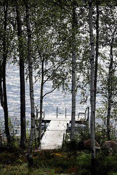 Rantalaituri rakennettiin muutama vuosi sitten aamu-uintia ja auringonottoa helpottamaan.