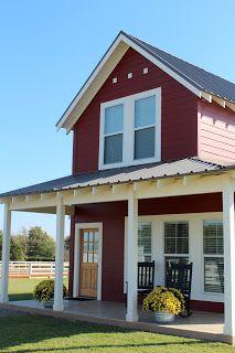 64 Unique Farmhouse Exterior Design Ideas For Your Home 51 - Farmhouse Decoration Farmhouse Exterior Colors, Red Farmhouse, Farmhouse Plans, Modern Farmhouse, Farmhouse Decor, Porches, Red Houses, Farm Houses, Exterior Design